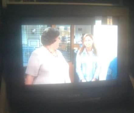 tv rusak vertikal gambar tidak penuh